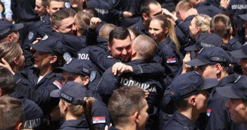 1856981_policija-ns-promocija-foto-tanjug-jaroslav-pap-2_ls