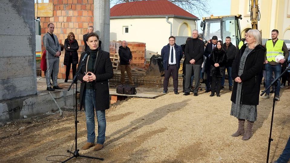Predsednica Vlade Republike Srbije Ana Brnabić u poseti Sremskoj Mitrovici
