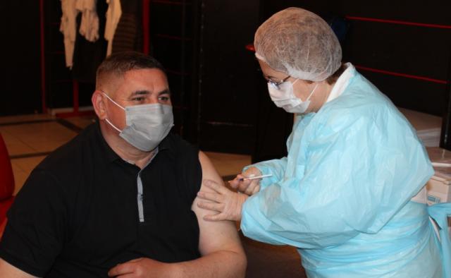 Predsednik Rumske Opštine Mančić primio vakcinu protiv korona virusa